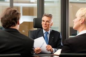Ein Antrag auf Zulassung der Rechtsbeschwerde kann ausschließlich durch einen Anwalt gestellt werden.
