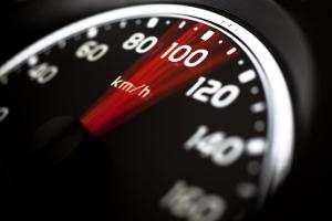 Wann droht ein Fahrverbot bei überhöhter Geschwindigkeit?