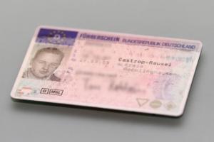 Führerschein verloren: Wo beantragen Betroffene ein neues Dokument?