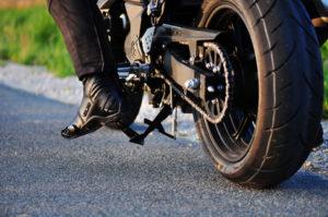 Die TÜV-Plaketten werden auch für Motorräder vergeben.