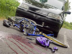 Unfallstelle absichern: Das Erste, das nach einem Unfall zu tun ist.
