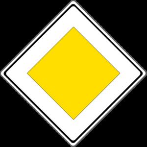 Die Vorfahrtsstraße wird durch dieses Schild gekennzeichnet.