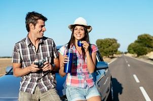 Zeugnisverweigerungsrecht: Ist der Lebensgefährte mit dem Auto gefahren, dürfen Sie schweigen.